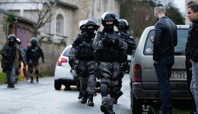 Foto: Explozie la sediul FMI din Paris. O persoană rănită după ce a deschis un plic suspect