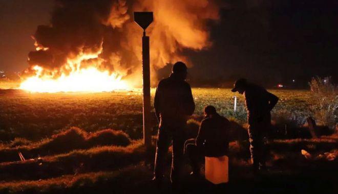 Foto: CEA MAI MARE TRAGEDIE DIN ULTIMII 20 DE ANI! 73 de morţi, după ce oamenii au încercat să fure benzină cu găleata, dintr-o conductă spartă de hoţi