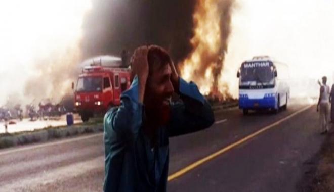 Foto: 123 de morți după explozia unei cisterne