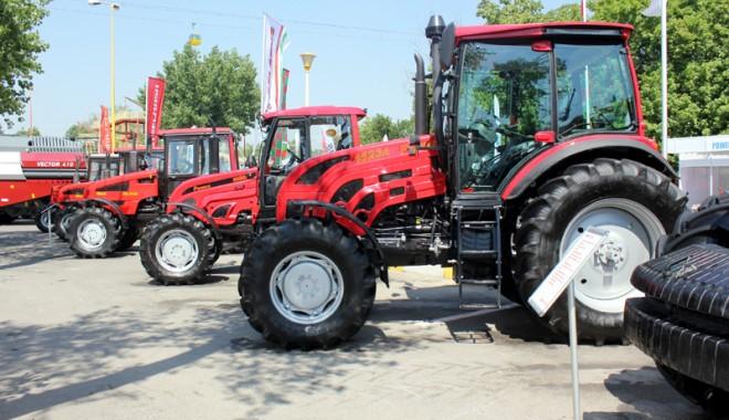 Foto: 59 de firme la Expoagroutil 2012 -  cea mai mare expoziţie din provincie dedicată agricultorilor