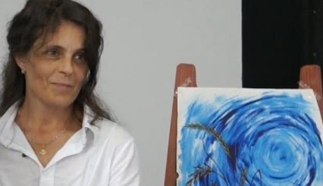 """Foto: """"Marea în culorile sale româneşti"""", pictată de  Rodica Nazarenco"""