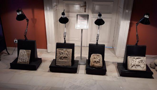 Foto: Piese de mare valoare istorică pentru Constanţa, expuse la Bucureşti