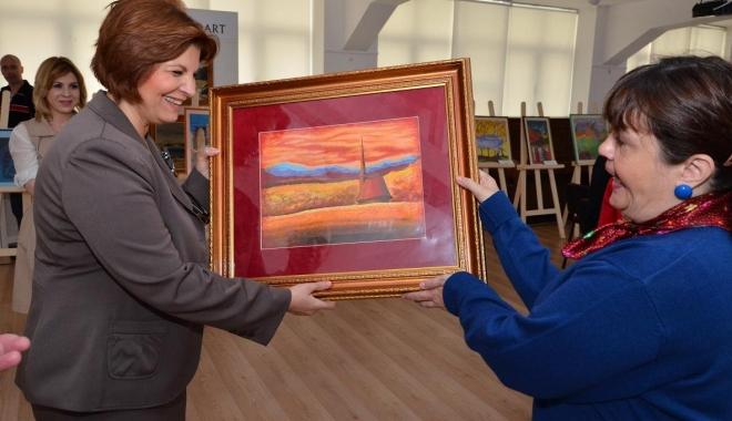 Foto: Recompensă dublă pentru recuperarea unor picturi furate în 1990