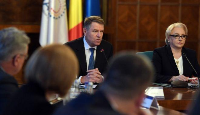Foto: S-a decis! Când va discuta CCR sesizarea lui Klaus Iohannis pe legea bugetului