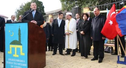 Foto: Preşedintele României a participat la inaugurarea sediului tătarilor turco-musulmani din Constanţa
