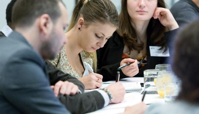 Foto: Facilităţi pentru patronii care angajează elevi şi studenţi