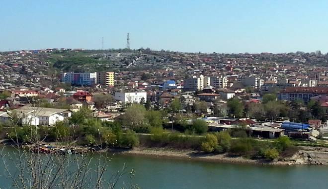 Foto: Faleza oraşului Cernavodă, în atenţia administraţiei publice