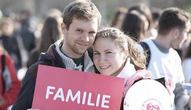 """Foto: """"Familia. Valori şi implicaţii"""". Dezbateri naţionale, la Constanţa"""