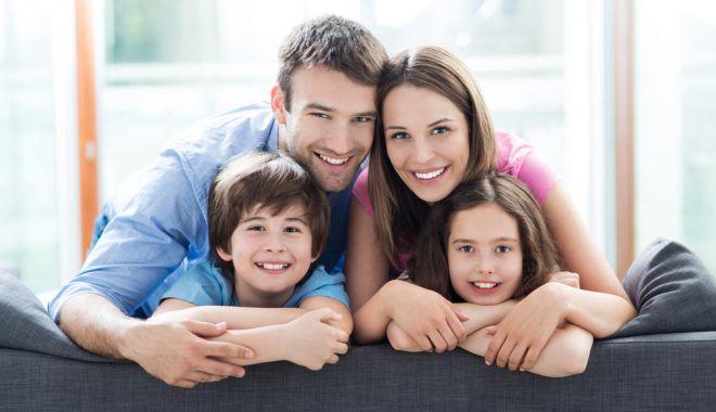 GUVERNUL a decis! Ce trebuie să facă românii din străinătate, dacă îşi iau copiii cu ei - familie-1531836572.jpg