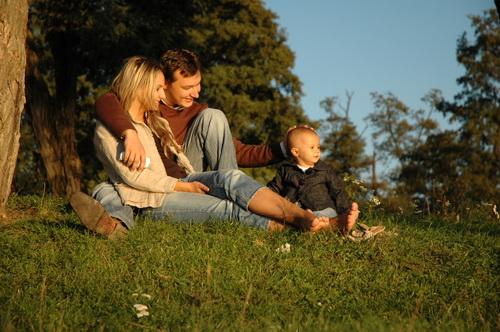Studiu: Reușita socială, determinată de mărimea familiei - familiefericitacopiifericiti-1346248978.jpg