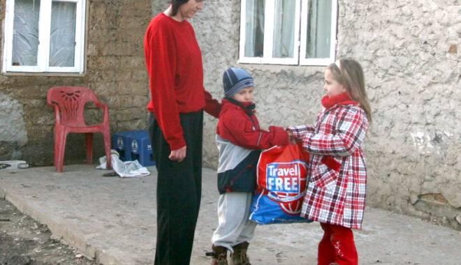 Foto: Familiile nevoiaşe primesc bani dacă îşi dau copiii la grădiniţă