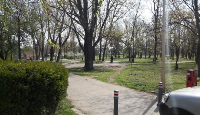 Foto: Fără maşini  în parcul Tăbăcărie!