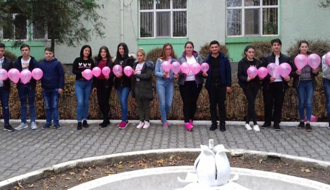 """Foto: O zi fără tutun la Liceul Tehnologic """"Dragomir Hurmuzescu"""" din Medgidia"""