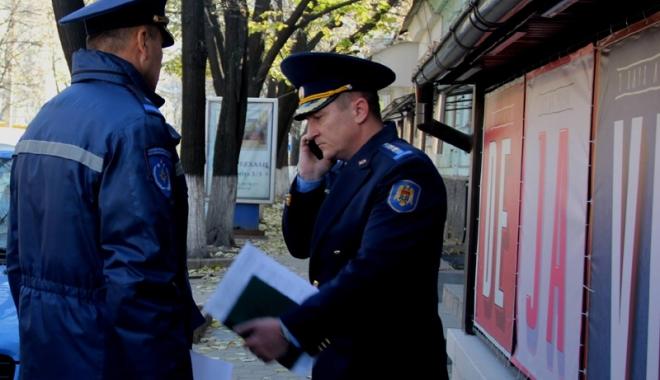 Foto: Fast-food-urile din Constanţa, luate la controlat de pompieri