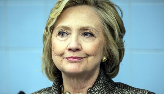 Foto: Agenţii FBI au mandat să-i verifice mailurile lui Hilllary Clinton