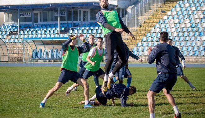 Foto: Liga 2 la fotbal. FC Farul, deplasare la Târgu Jiu