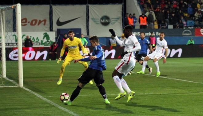 Foto: FC Viitorul învinge Steaua şi redevine lidera Ligii l