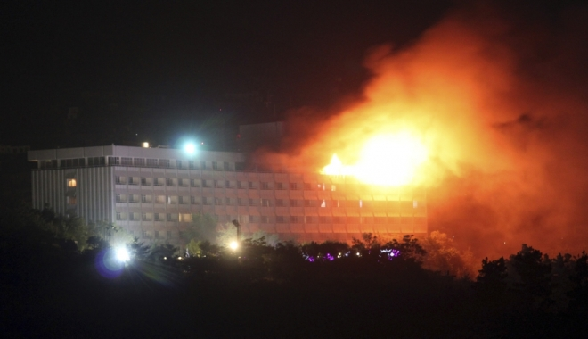 Foto: Un atac la Hotelul Intercontinental din Kabul s-a soldat cu 8 morți