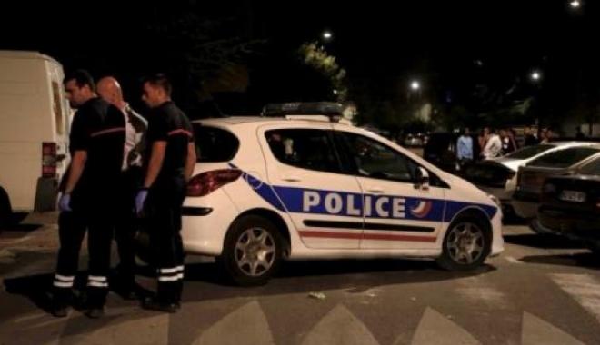Foto: ATAC ARMAT ÎN FRANŢA / Opt persoane rănite, în faţa unei moschei din Avignon