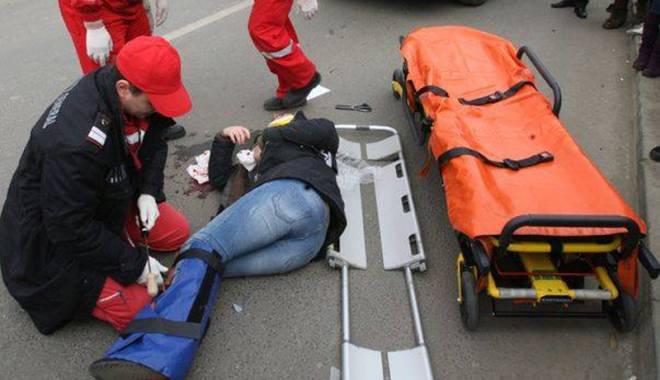 Foto: Femeie lovită  pe trotuar, în urma unui accident  în Constanţa