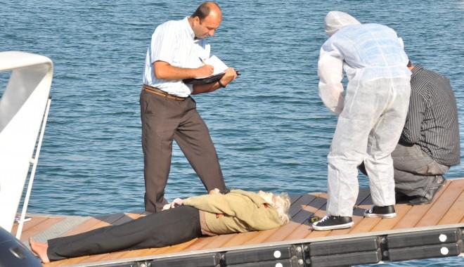 O femeie a fost găsită moartă în Portul Tomis/ Atenție, FOTOGRAFII șocante - femeieinecata27-1317022928.jpg
