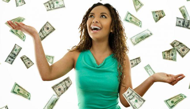 Foto: Femeile sunt mult  mai bune când e vorba de planuri financiare