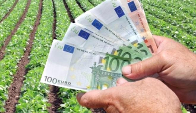 Foto: Fermierii primesc un ajutor de 1,8 miliarde euro