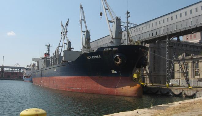 Foto: Fermierii şi portul Constanţa pariază pe creşterea recoltelor de cereale