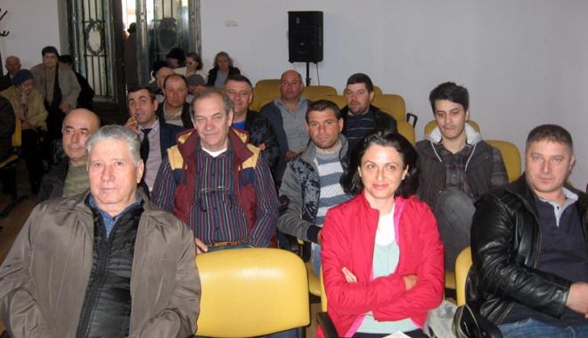Foto: Fermierii trebuie să meargă la cursuri, dacă vor finanţare europeană