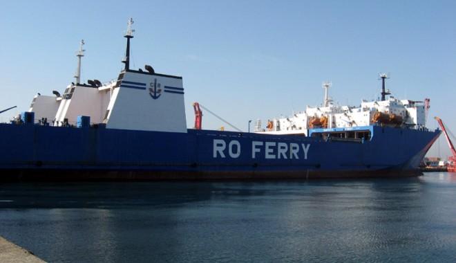De ce nu mai acostează ferry-boat-urile în portul Constanța - ferryboateforiesimangalia3-1383329137.jpg