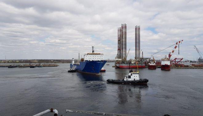 """Foto: Ferry-boat-urile """"Mangalia"""" și """"Eforie"""" au păgubit bugetul """"CFR Marfă"""