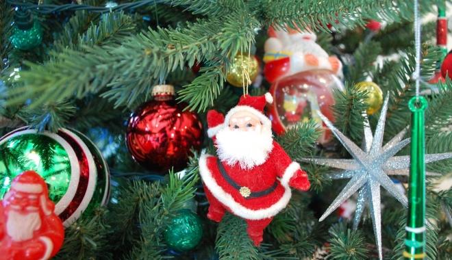 """Foto: Deseară, Festivalul Naţional de Datini şi Obiceiuri Populare de Crăciun şi Anul Nou """"Pomul de Crăciun"""""""