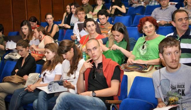 """Foto: Festivalul de film """"Anonimul"""", la cea de-a 12-a ediţie"""