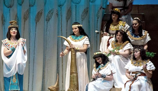 """Foto: Explozie de energie şi de talent pe scena TNOB. """"Aida"""" deschide Festivalul Internaţional al Muzicii şi Dansului"""