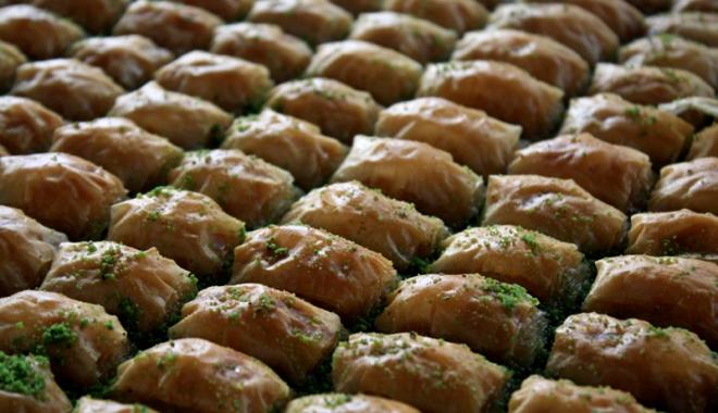Foto: Tradiţii şi mâncare bună la Festivalul Turcesc  din Constanţa