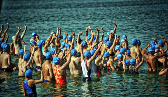 Foto: Festivalul sportiv TriChallenge pune la încercare rezistenţa fizică
