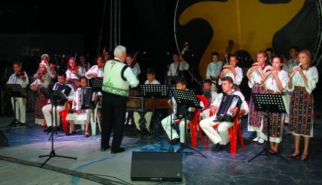 """Foto: """"Festivalul Tinereții"""", la Mangalia"""