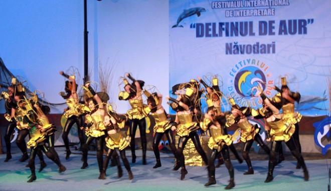 """Foto: Începe Festivalul """"Delfinul de Aur"""" de la Năvodari"""