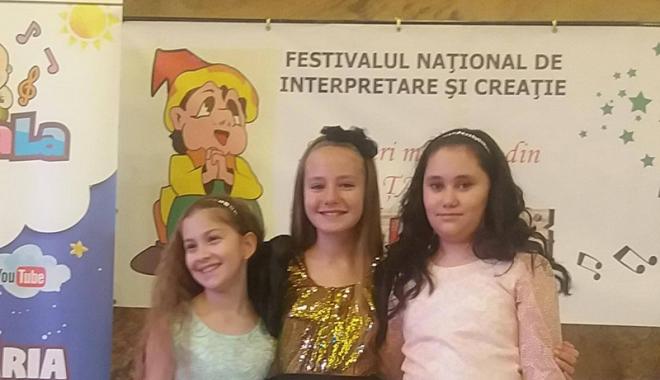 """Foto: Copiii de la Centrul Cultural """"Theodor Burada"""" - Cernavodă, premianţi la festival"""