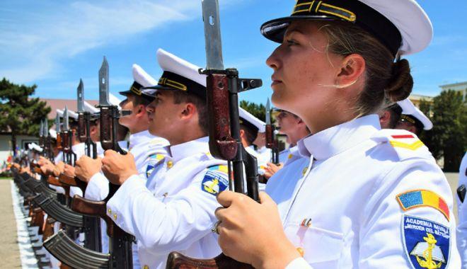 """Foto: Festivitate la ANMB. Promoţia """"Centenarul Marii Uniri"""", gata  de misiune"""