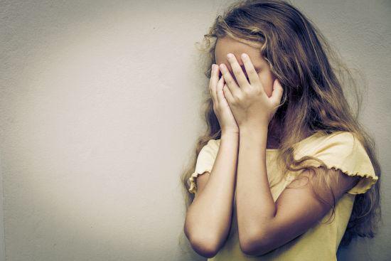 Foto: Avocatul Poporului efectuează o anchetă în cazul fetiţei cu autism, ascunsă de educatoare într-o clasă goală