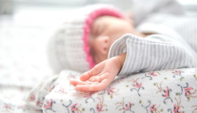 Apel disperat către constănţeni. Andreea abia s-a născut, dar are nevoie de sânge pentru a supravieţui - fetitaspital-1503503091.jpg