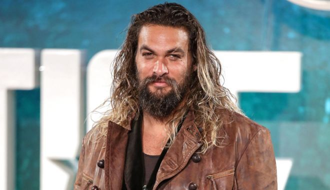 Filme de week-end. Jason Momoa  îl aduce pe