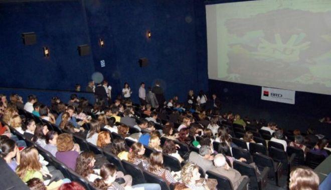 """Cei mai pricepuţi tineri actori şi regizori au fost premiaţi la """"FILMMIC"""" - filmmic1-1558551579.jpg"""