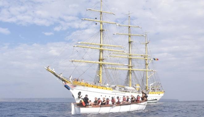 """Foto: Nava Școală """"Mircea"""" își continuă marșul în Marea Mediterană"""