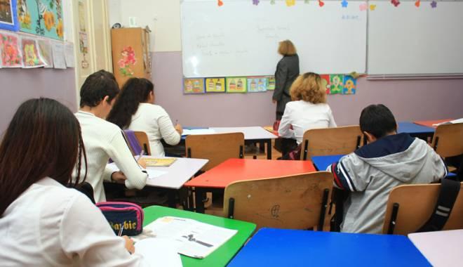 Foto: Soluţia pentru finanţarea învăţământului: o… comisie!
