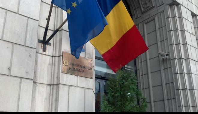 """Foto: Finanțele Publice îi cer BNR să """"să-și respecte toate obligațiile legale"""""""