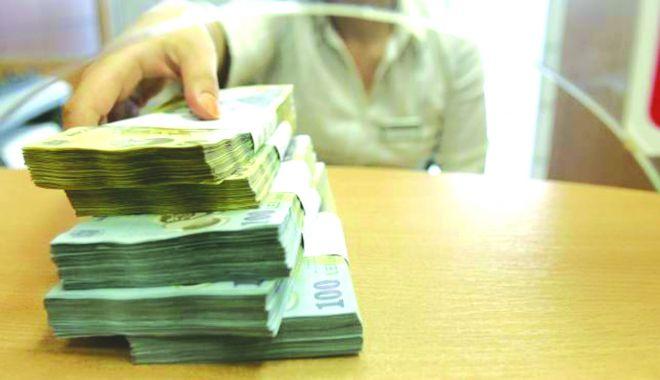 Foto: Finanțele Publice se împrumută să acopere gaura din buget