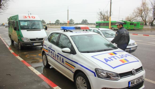 """Foto: Firmele de transport marfă şi persoane, """"arse"""" la buzunar de poliţişti"""