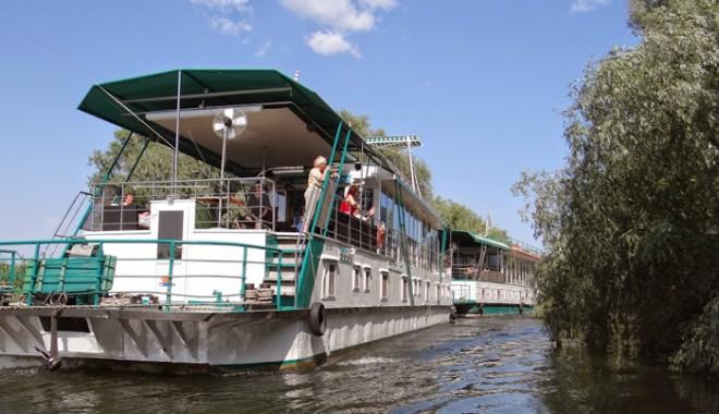 Fiscul vinde o flotilă de nave tehnice și fluviale - fisculvindeoflotilaii-1409846127.jpg